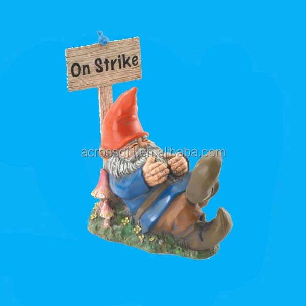 Funny sleeping garden gnome polyresin figurine decoration