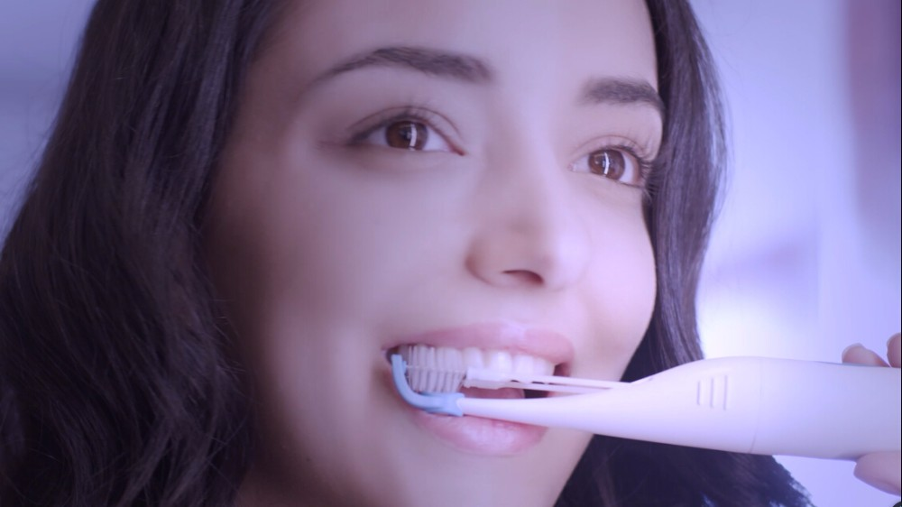 Newest Wireless Chareger With Unique Double Heads Electric Toothbrush