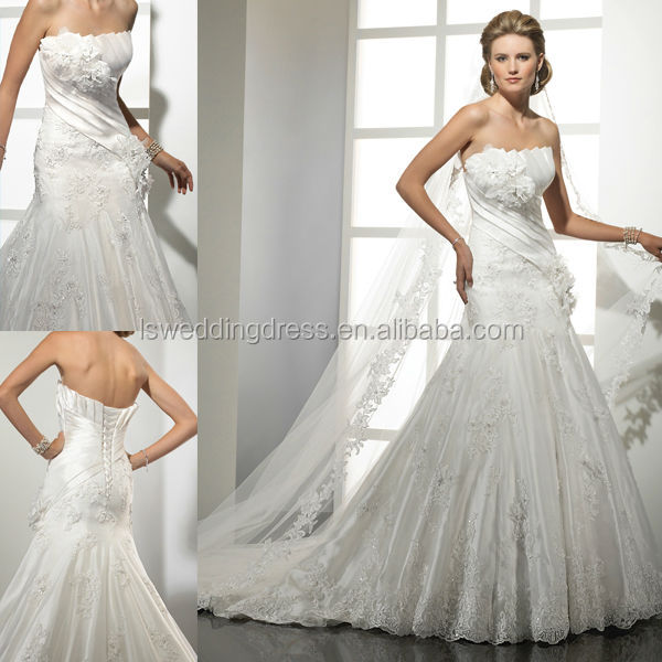 WD0335 strapless 3D flower on bust lace appliqued on tulle skirt exquisite flawless wedding dress with a crumb-catcher neckline