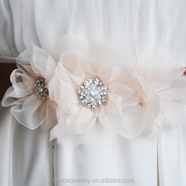 Bridal Sash Wedding Belt Appliques Handmade Beaded Elegant Dress Sash for Wedding Crystal Satin Ribbon Bride Belt