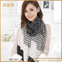 Factory main products! custom design acrylic woven fans scarf from China workshop