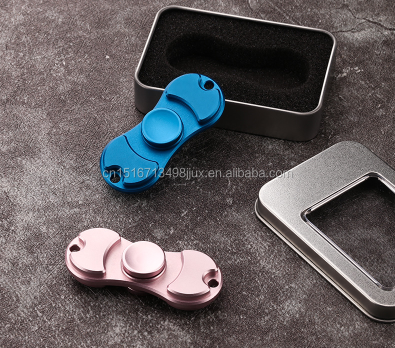 Hot sale cheap alloy / copper material finger spinning tops from china factory