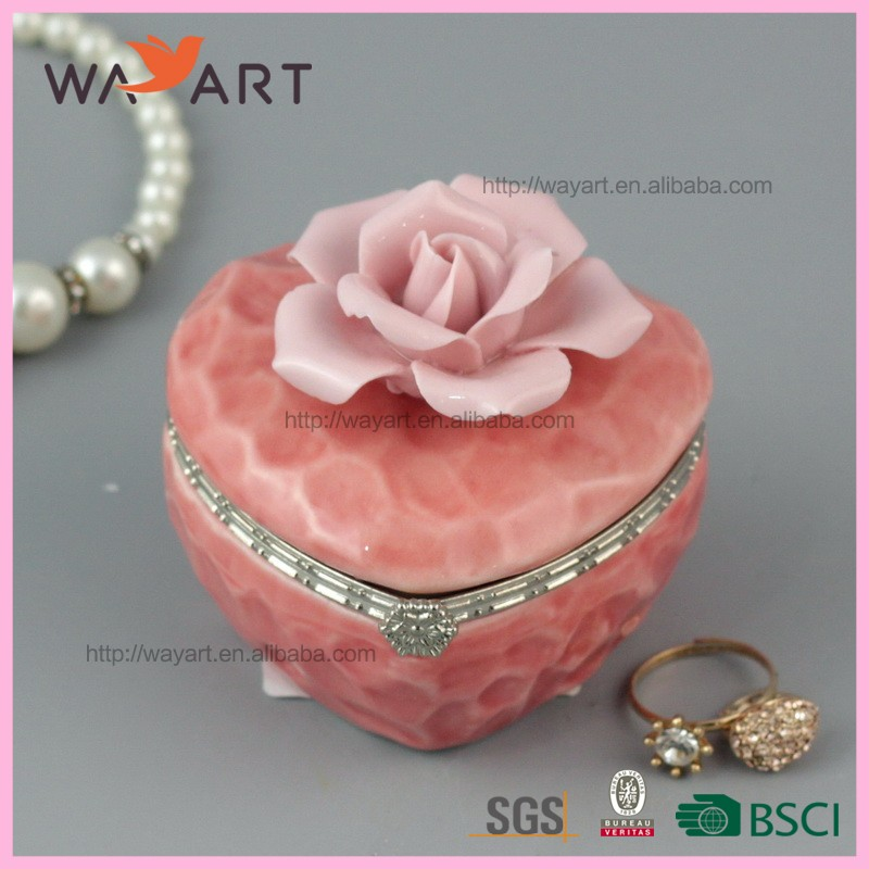 Newest Heart Shaped Pink Flower Ceramic Jewelry Box Manufacturer