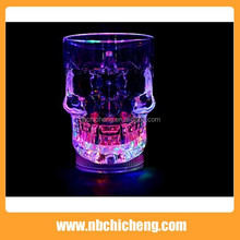 2015 popular led flash champagne glass cup with light lamp