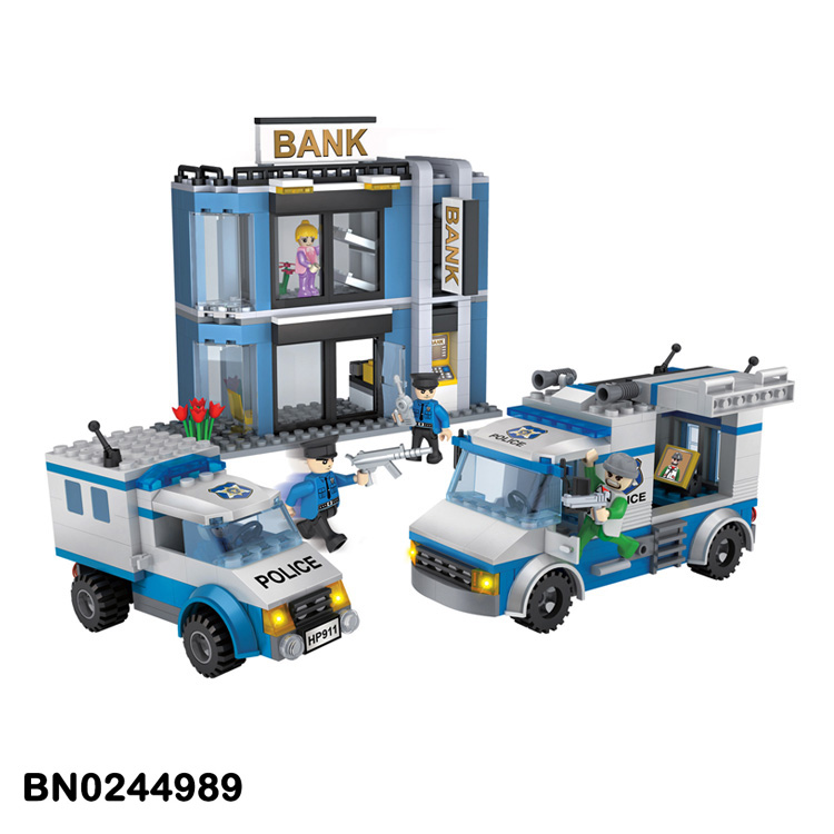 NEW CITY Building Blocks Play Set Bank Bomb Police Chase Game