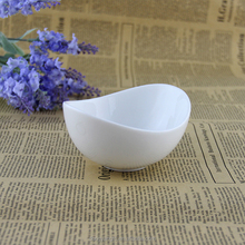 Small ceramic dishes for restaurants