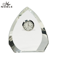 High Quality Clear Glass Triangle Block K9 Crystal Mini Desk Clock For Table Decoration Gift.