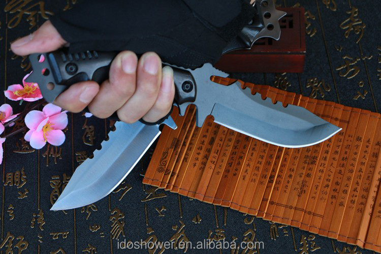 New Arrival pocket knife gift box, gun shaped folding tactical knife