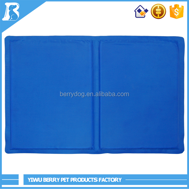 Pet Dog Self Cooling Chilly Mat Pad for Kennels Crates and Beds Folding Soft Comfort Bed Cooling Gel Pad for Dogs