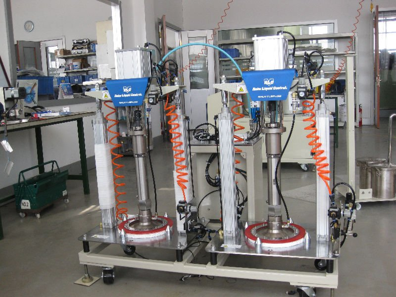 Filling Machine and pressure feeder for adhesive Silicone&Sealant