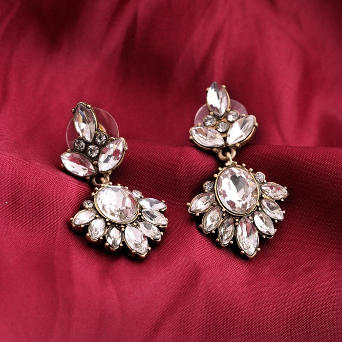 H-Quality Bridal Drop Pierced Earring Dangle Zircon Austrian Crystal Clear E1649