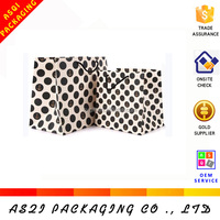 2018 new custom made with dots design paper bags in overworld for shopping
