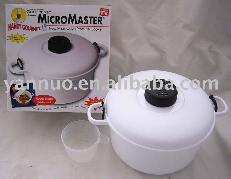 Plastic microwave steamer, steam pot