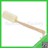 Hot Selling natural loofah bath brush with wooden handle