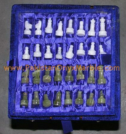 onyx-chess-boards-set-checkers-red-onyx-green-onyx-white-onyx-figures-24.jpg