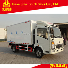 SINOTRUK HOWO 4x2 5ton refrigerated freeze truck with cheap price