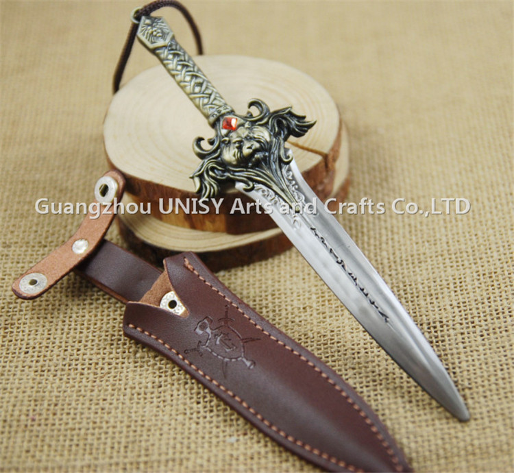 Latest design WOW union lion games large weapon sword model key chain key ring with leather bag package wholesale