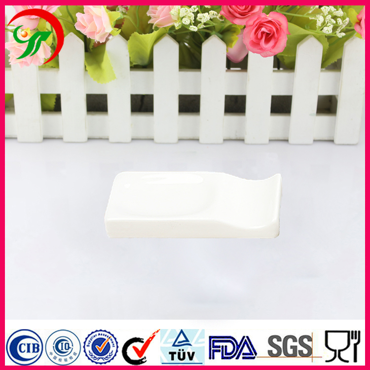 Factory direct wholesale white ceramic chopsticks and spoon rest