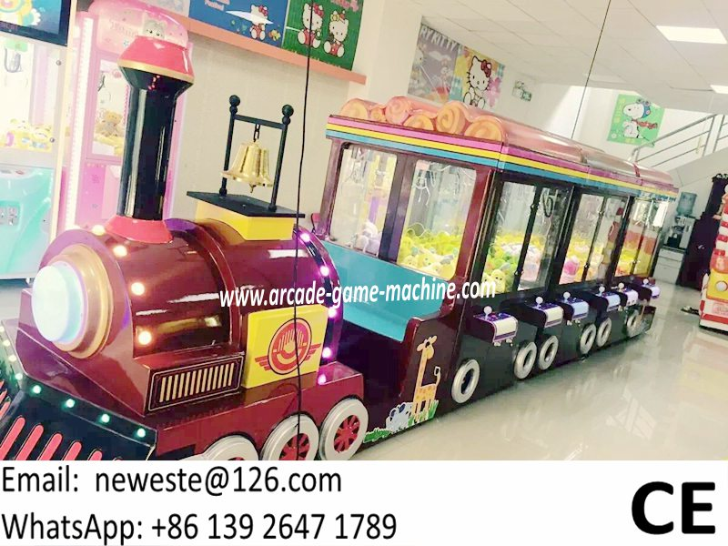 Hot Selling 12 Players Train Head Mini Arcade Game Machine Gift Toys Claw Cranes Machine For Shopping Center