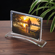 Double Sided Picture Frame with Stand Clear Acrylic Photo Frame 5x7'' with Magnet