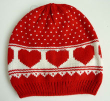 2014 alibaba website popular cute red baby hat with heart design jacquard