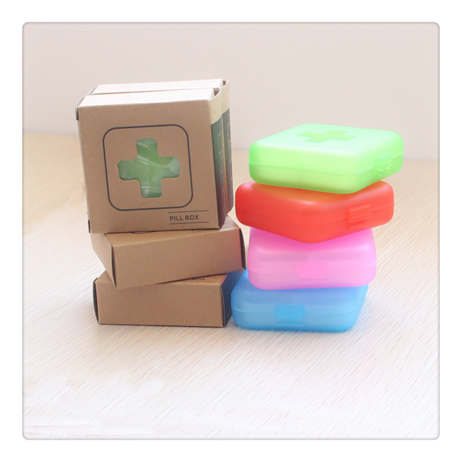 Hot sell Macaron shape plastic round pill box factory price