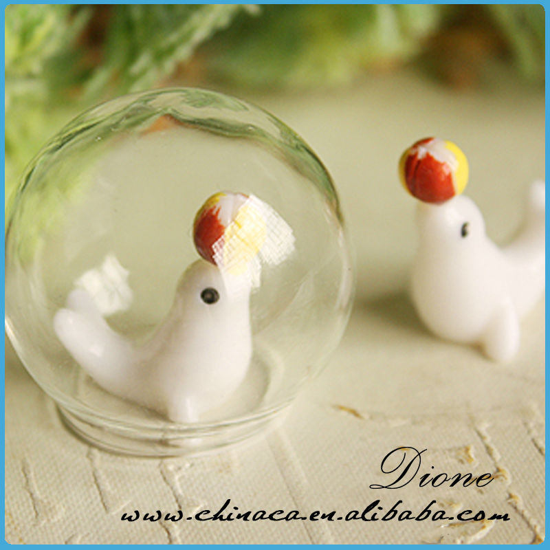Lovely and cute ~~ Dolphin inside miniature clear glass pendant