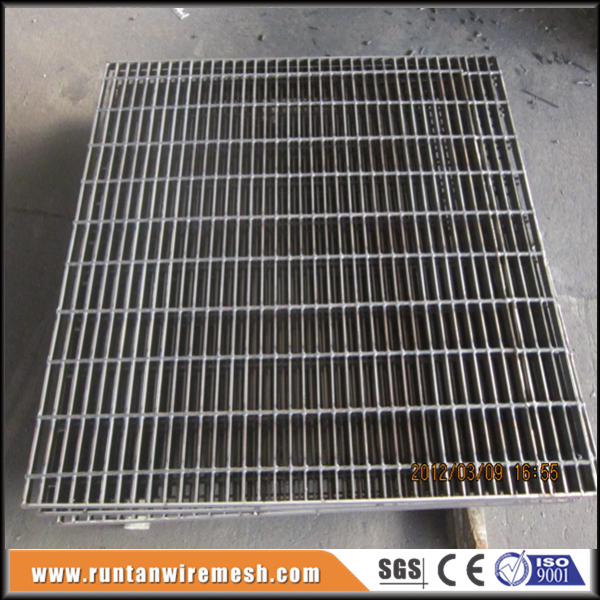 Mild steel cover metal trench drain