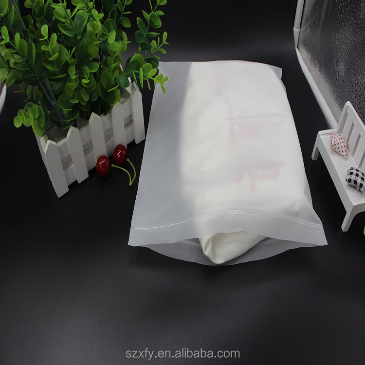Waterproof Clear Plastic CPE Zip lock Bag for clothes/ T shirt Packaging bag