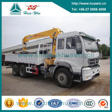 Sinotruk HOWO 6X4 266HP Truck with Straight Boom Crane