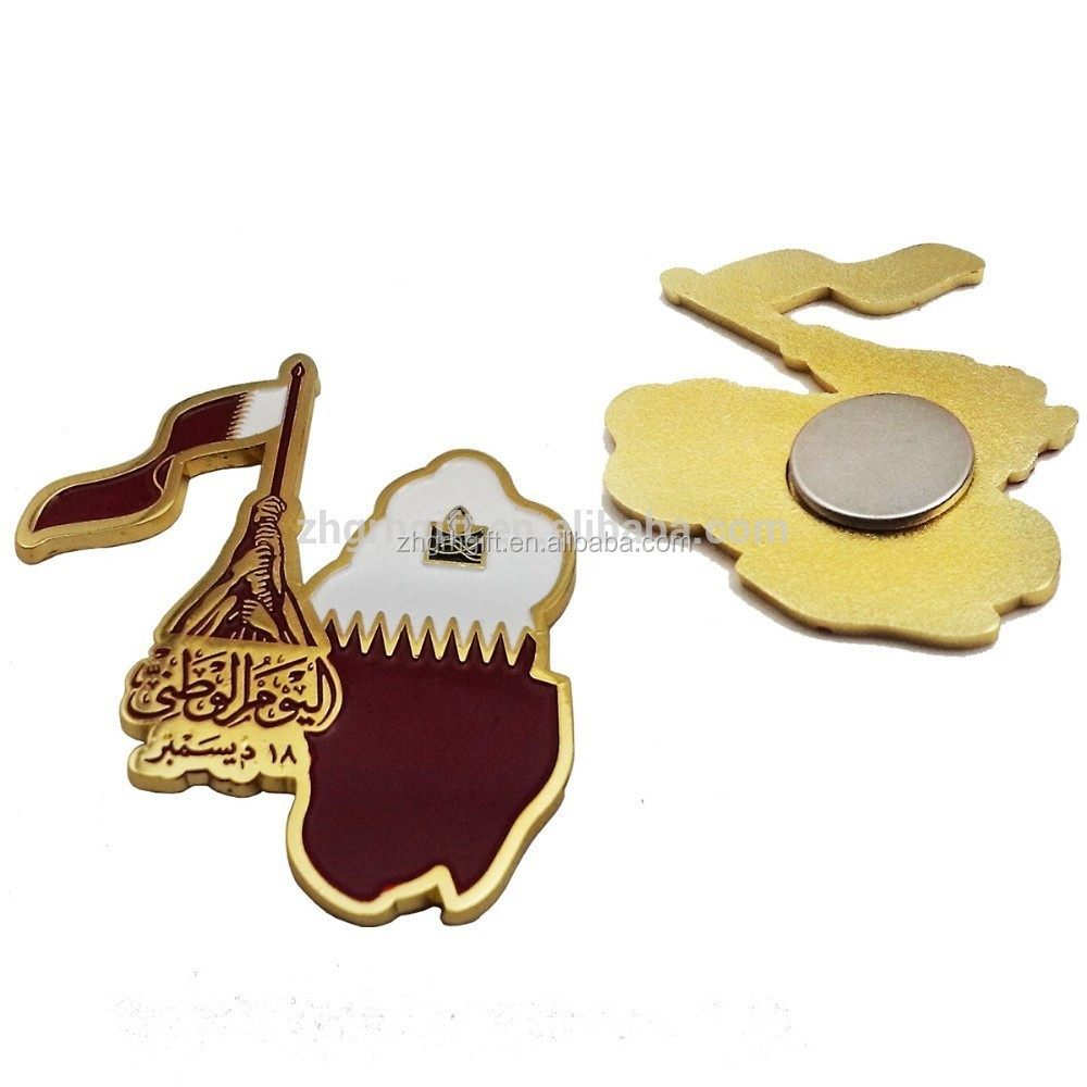 metal Qatar National Day Gifts Items Qatar Flag Magnetic Pin Badges For National Day