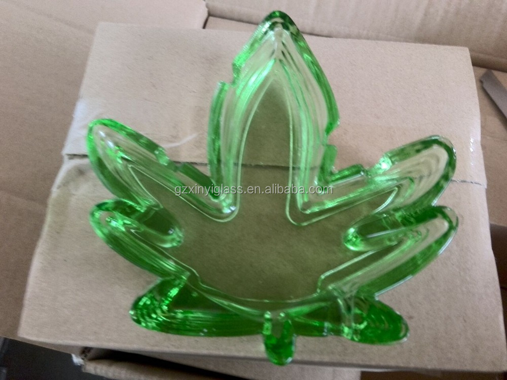 Cheap colored leaf glass material custom colorful leaf shape glass cigar ashtray