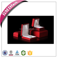 Small moq hot sale led light plastic ring jewelry box