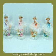 3d cartoon girl dancing figurines