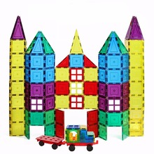Discovery Kids Magnetic Tiles Set 100 Pieces Clear Colors with 2 Magnetic Wheel Bases