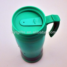 Food grade promotion450ml insulated bulk plastic travel coffee mugs with handle wholesale