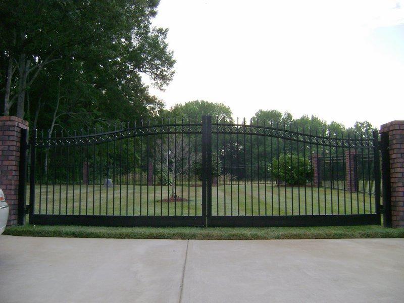 Flexible Design Ornamental Sliding Iron Main Gate Design