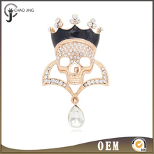Cool Crown Skull Shaped Fashion Rhinestones Wedding Souvenir Gold Color Metal Brooches