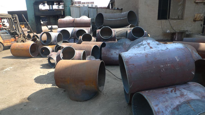 BIG SIZE TEE ASTM A234 WPB BUTT WELDING PIPE FITTING