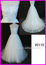 2014 elegant strapless tulle A-line wedding gowns with beading belt and feather V0119