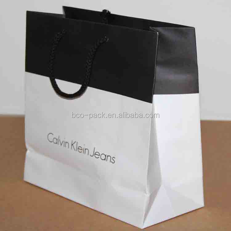 Shopping flexo printing custom paper bag with logo for clothes