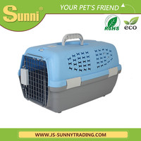 New pet products high-end plastic pet carrier