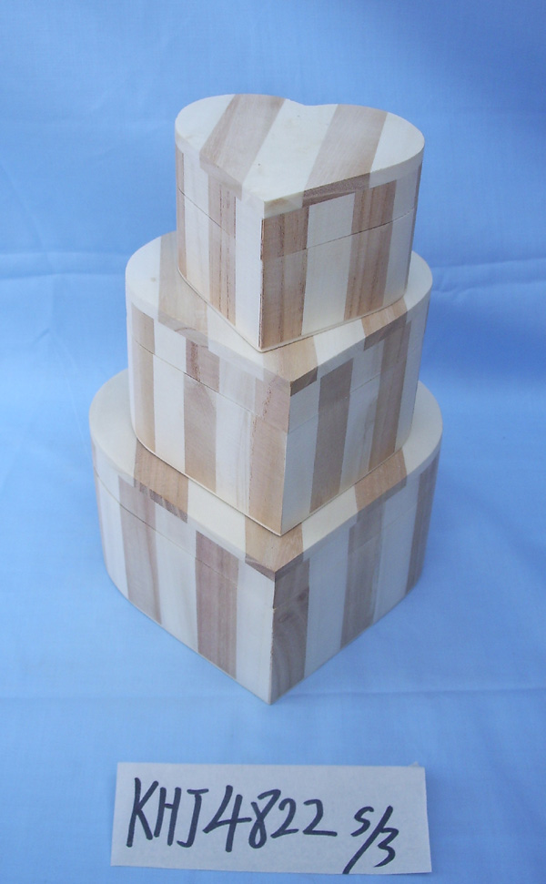 high quality wooden box with lid in packing box