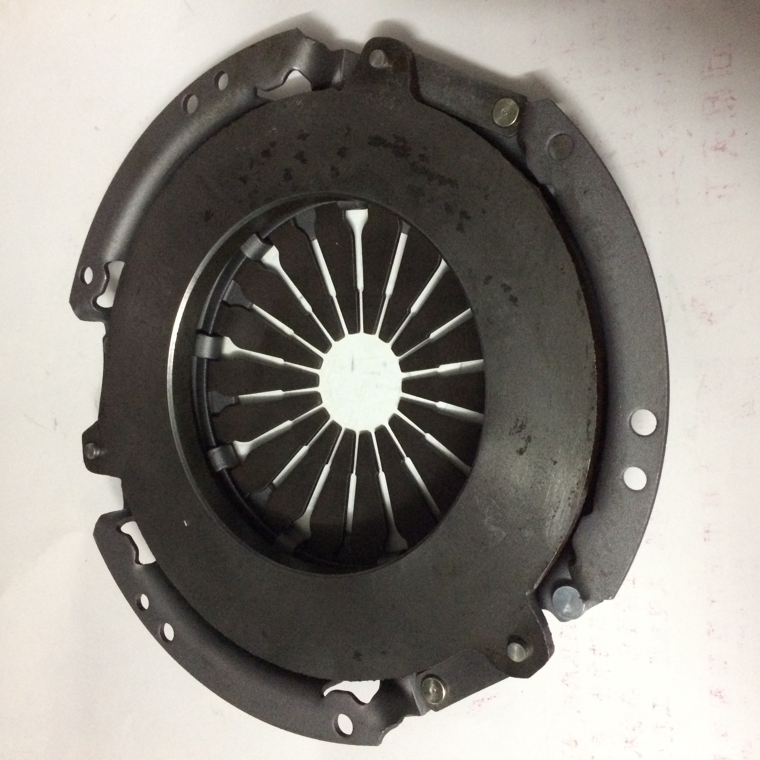 F3402-1600750A Heavy duty truck diesel engine parts clutch cover