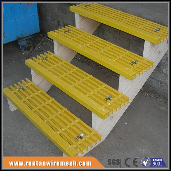 Step fiberglass stairs smooth surface grating