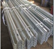 factory specialized in safety durable guard rail in Road construction