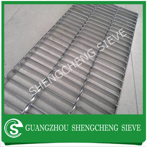Guangzhou Heavy duty galvainzed expanded metal steel grating price