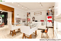 Modern style wood and glass jewelry display showcases for jewelry shop interior design