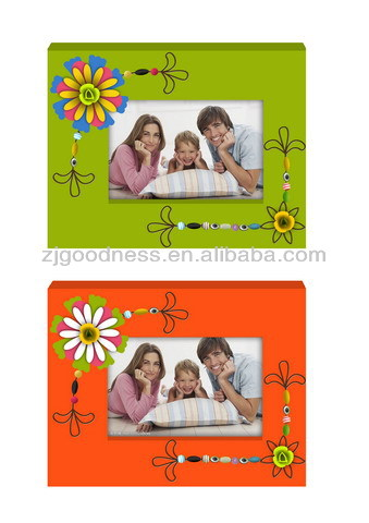 2014 New Design Pure Handmade Wooden Photo Frame in Gifts and Crafts