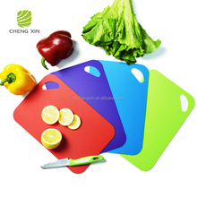 2018 new design Non-slip high quality BPA Free kitchen cutting board